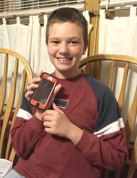 happy ant with iphone