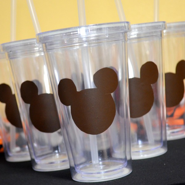 Tumblers With Mickey Mouse Laminate
