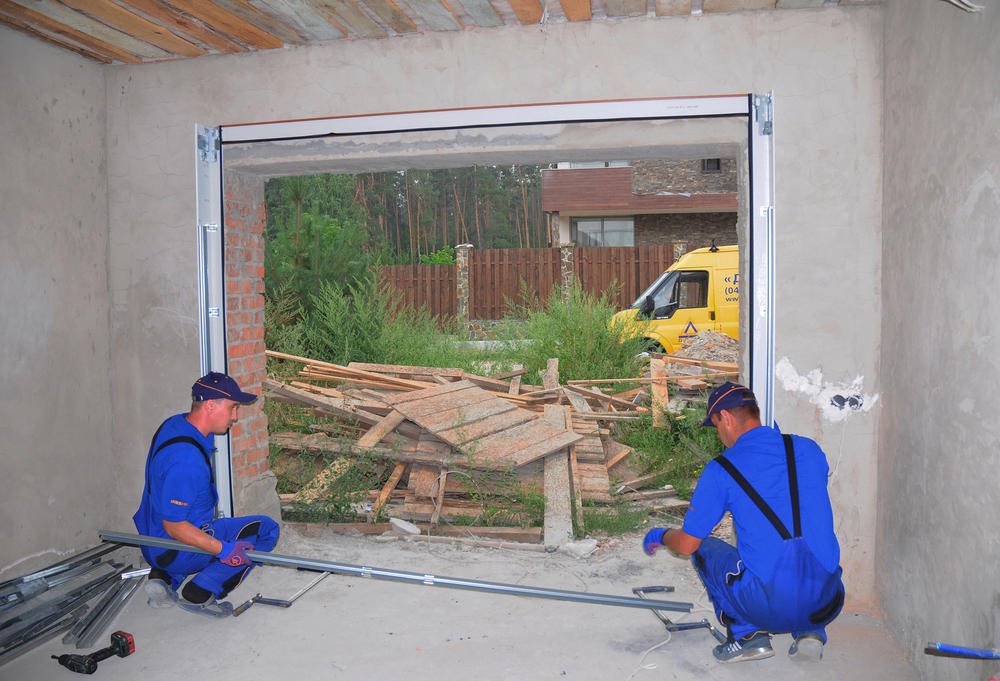 Tips for Finding the Best Garage Door Service Provider